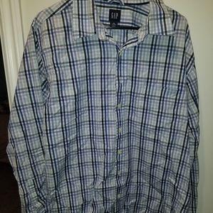 Gap button down shirt size xl